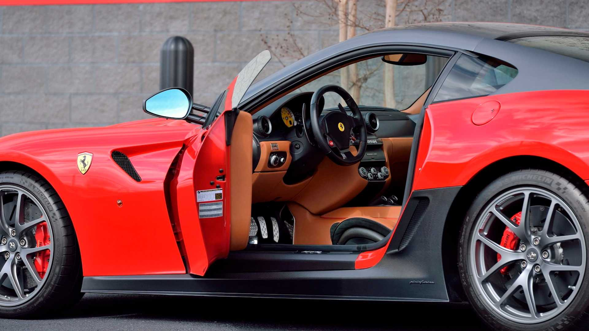2011_Ferrari_599_GTO_auction_0009