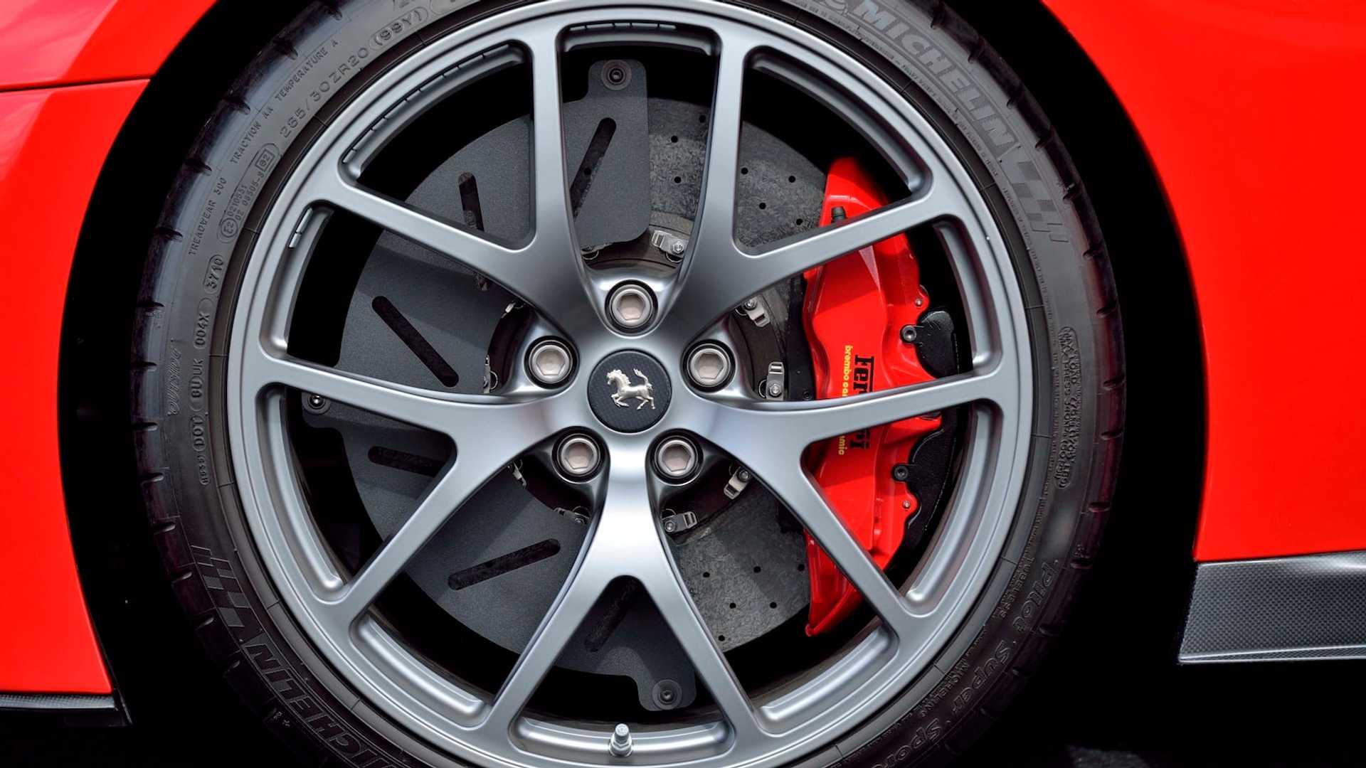 2011_Ferrari_599_GTO_auction_0010