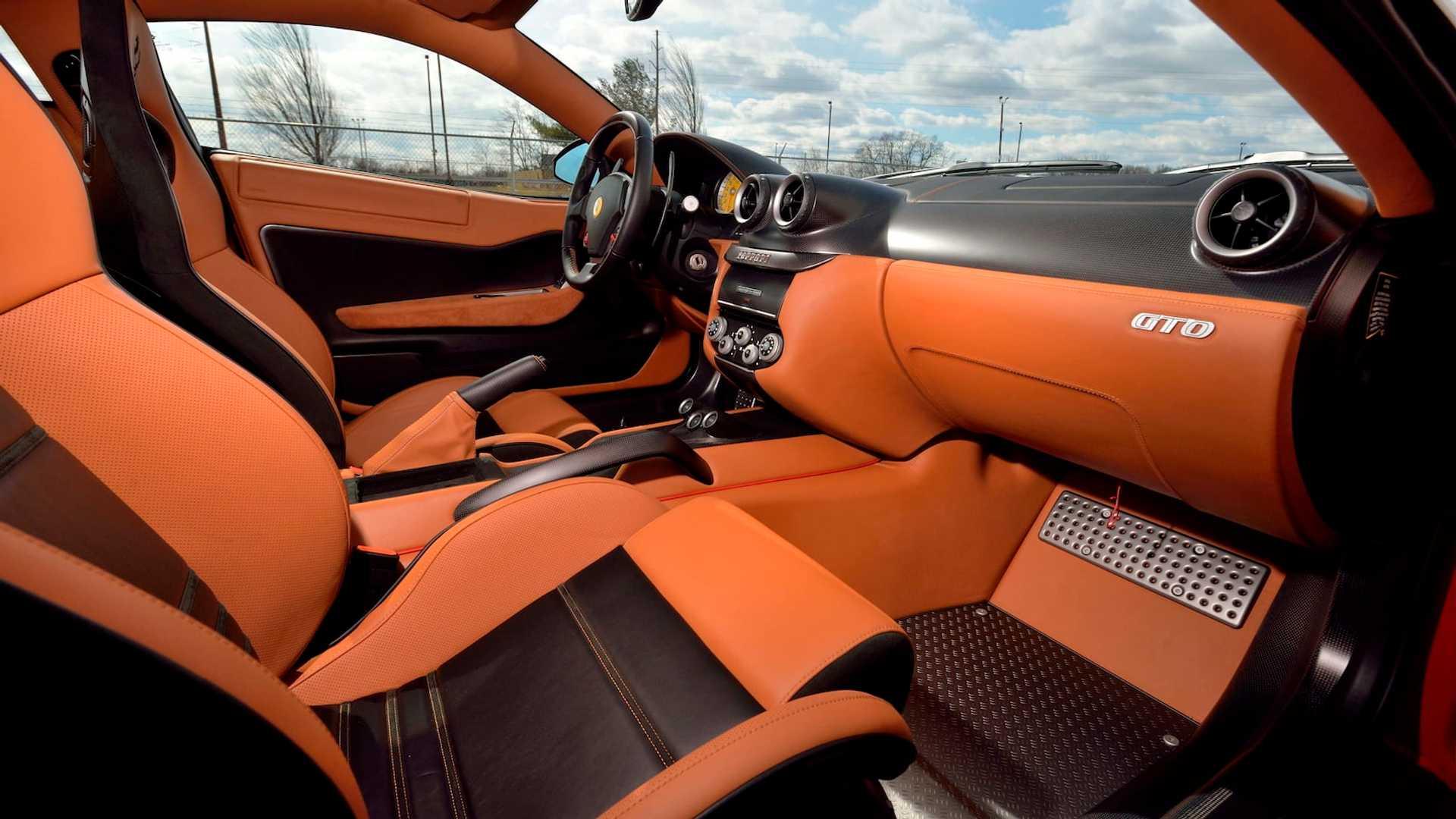 2011_Ferrari_599_GTO_auction_0016