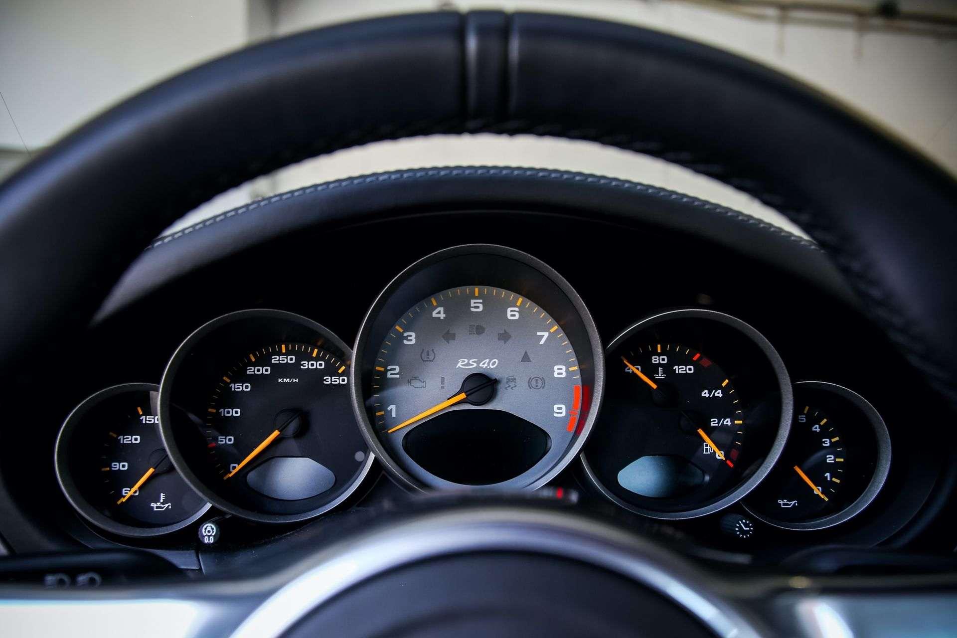 2011_Porsche_911_GT3_RS_4.0_sale_0010