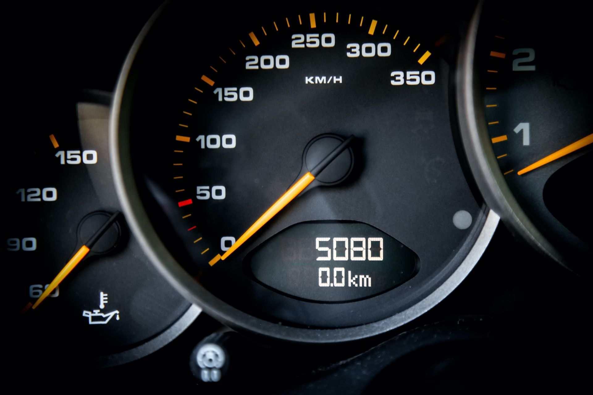 2011_Porsche_911_GT3_RS_4.0_sale_0011