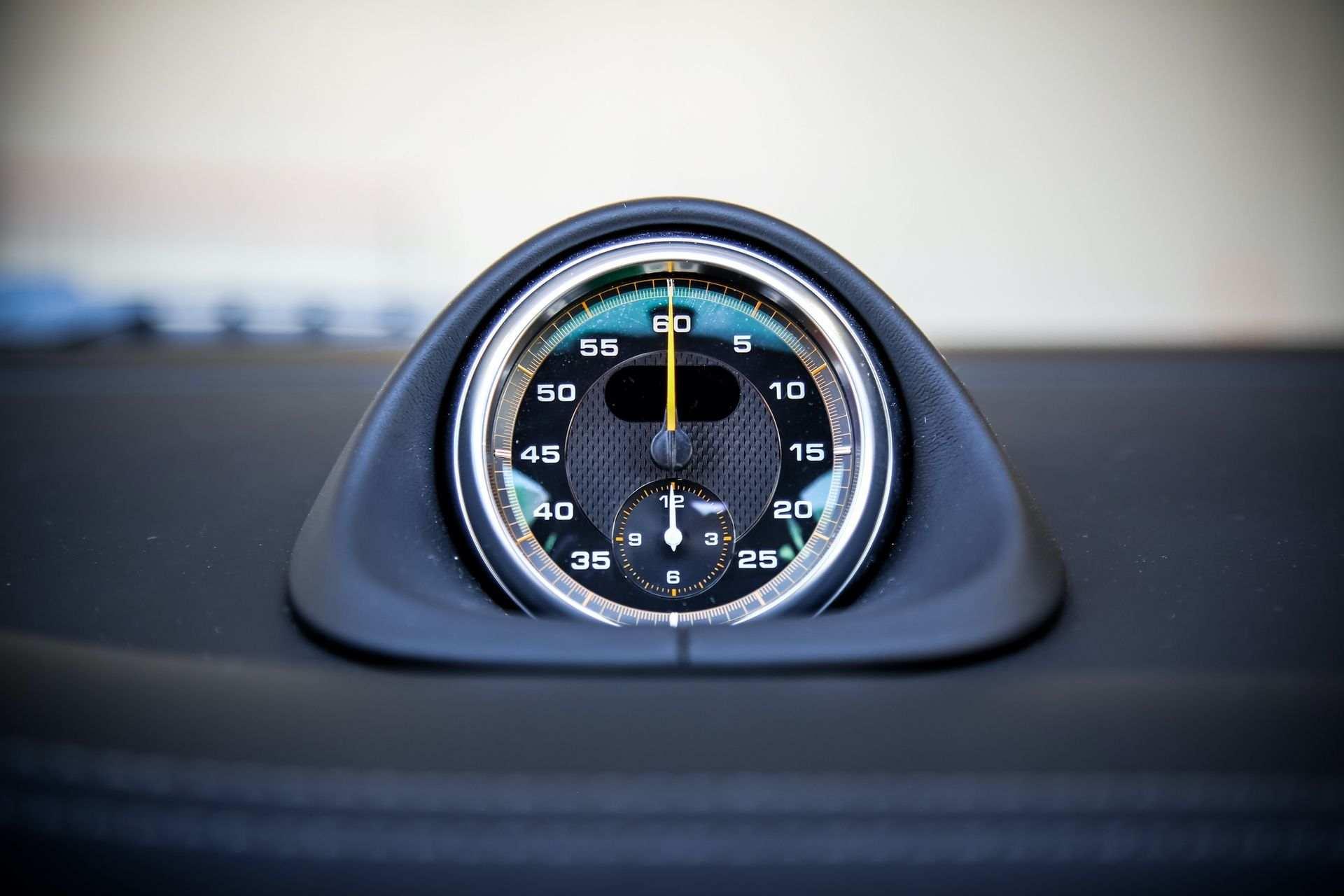 2011_Porsche_911_GT3_RS_4.0_sale_0013
