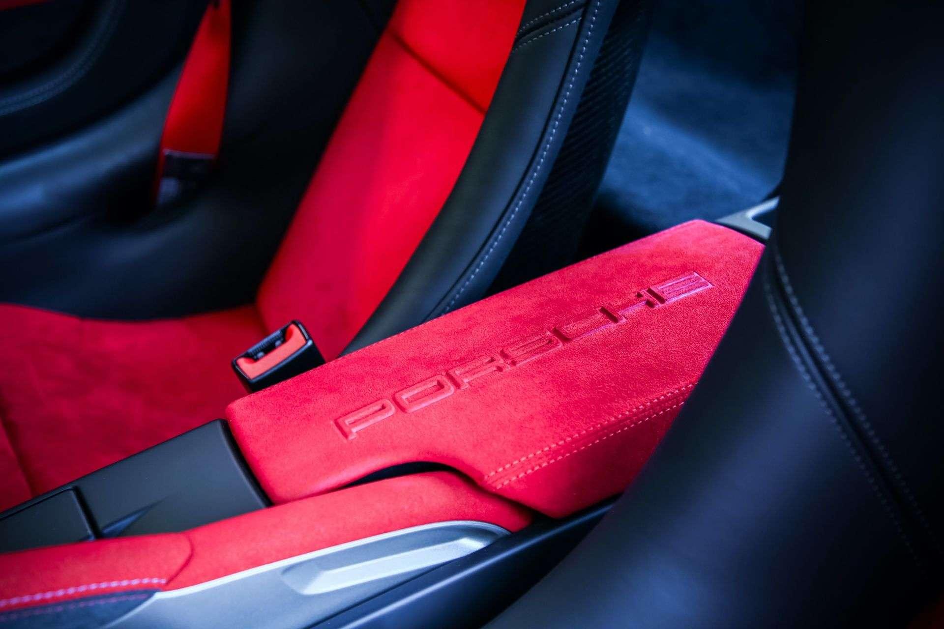 2011_Porsche_911_GT3_RS_4.0_sale_0018
