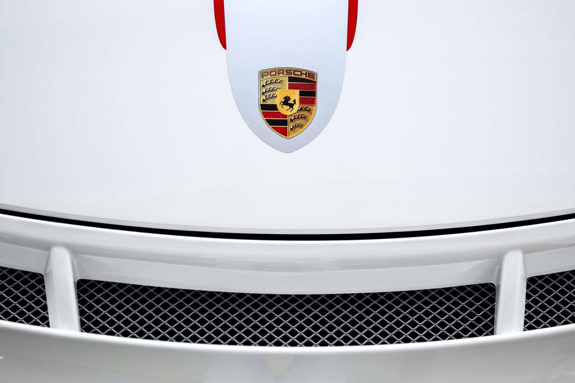 2011_Porsche_911_GT3_RS_4.0_sale_0027