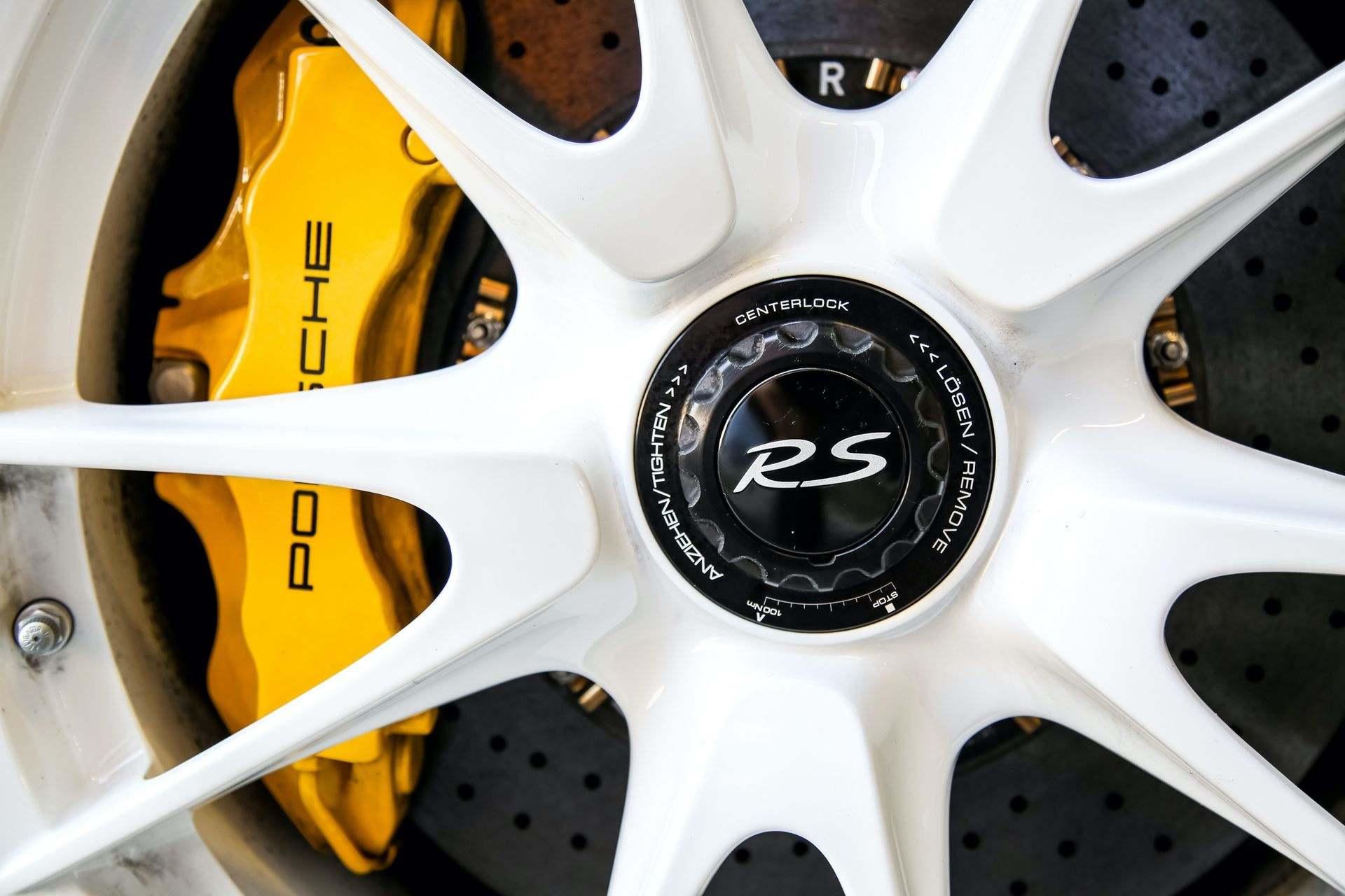 2011_Porsche_911_GT3_RS_4.0_sale_0031