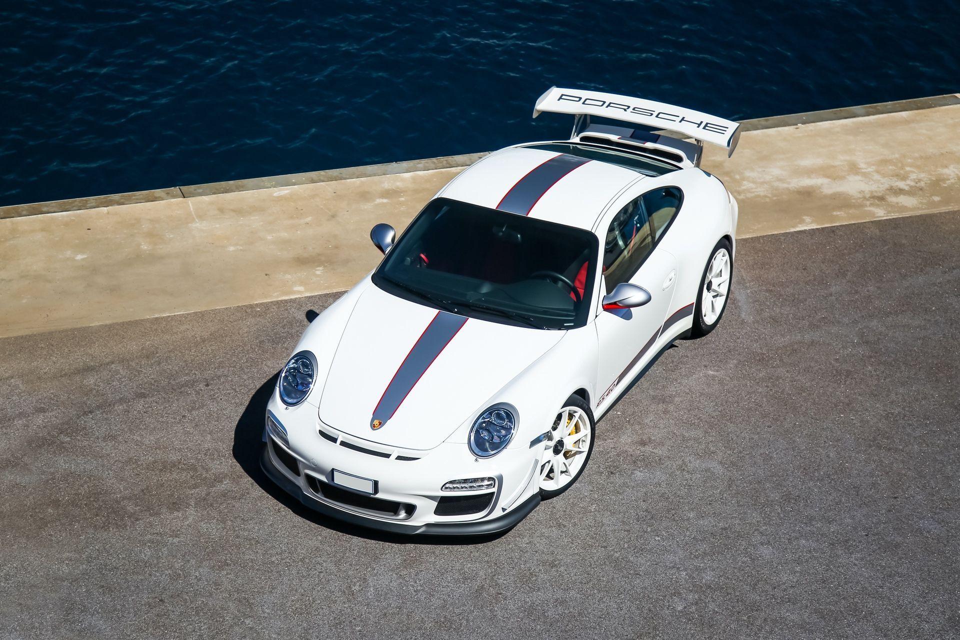2011_Porsche_911_GT3_RS_4.0_sale_0043