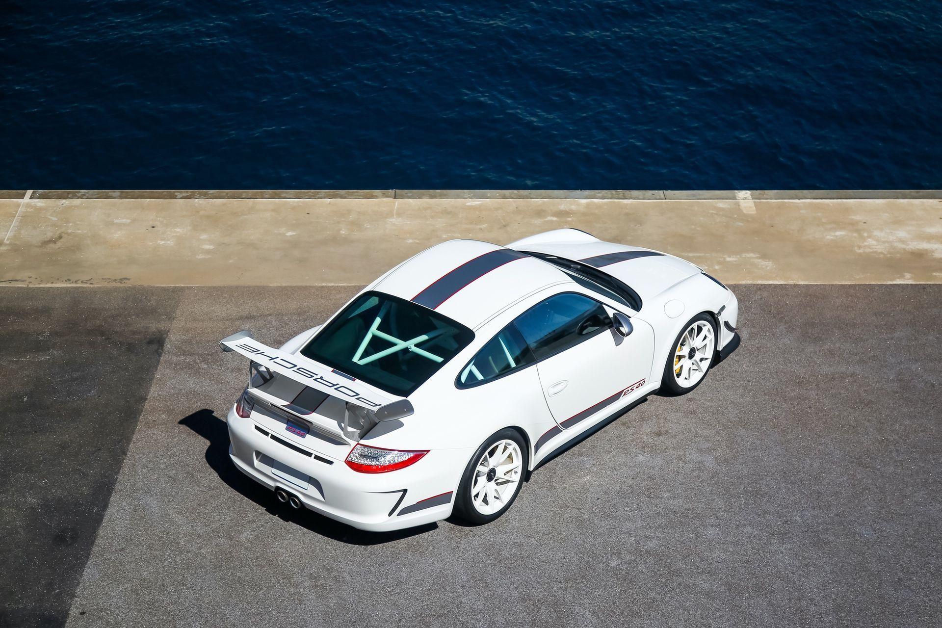 2011_Porsche_911_GT3_RS_4.0_sale_0044