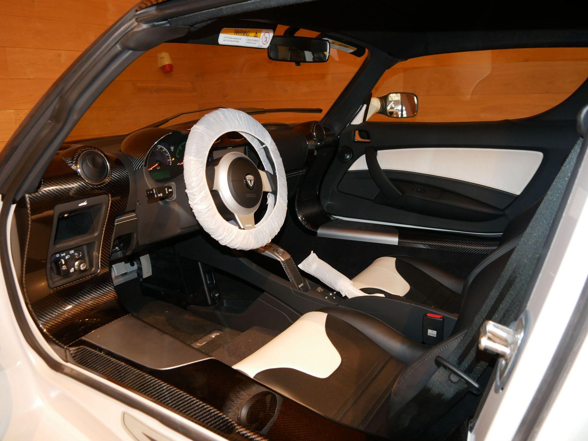 2012_Tesla_Roadster_sale_0003