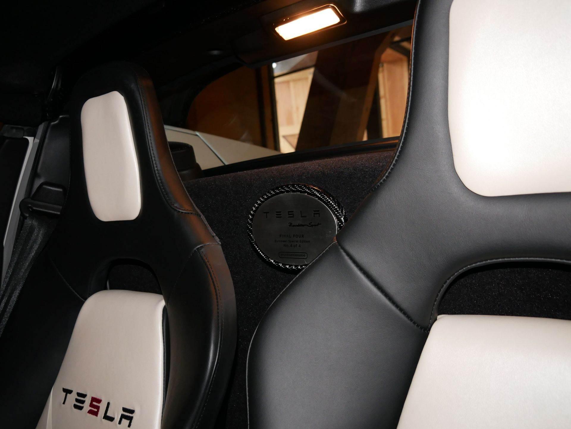 2012_Tesla_Roadster_sale_0004