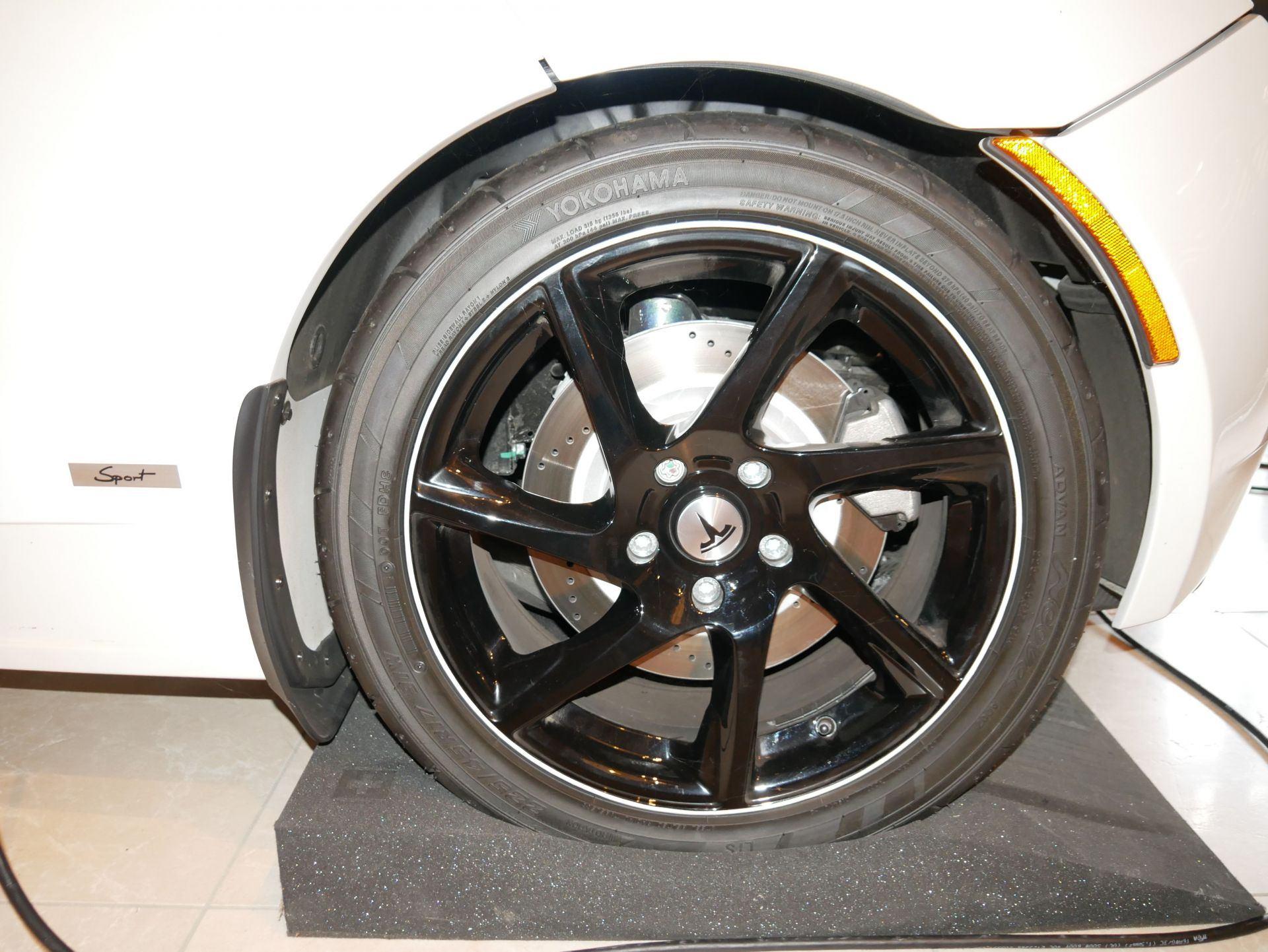 2012_Tesla_Roadster_sale_0005