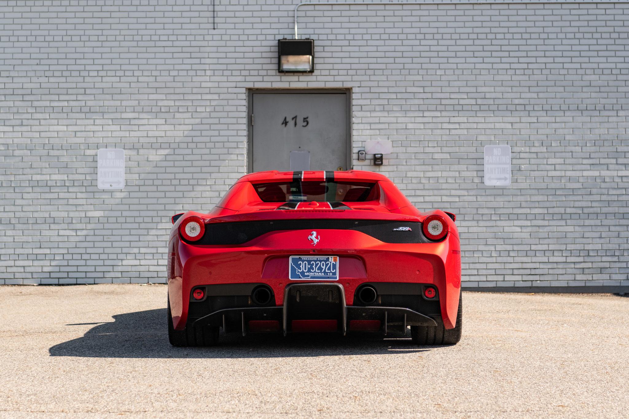 2015_Ferrari_458_Speciale_Aperta_sale_0004
