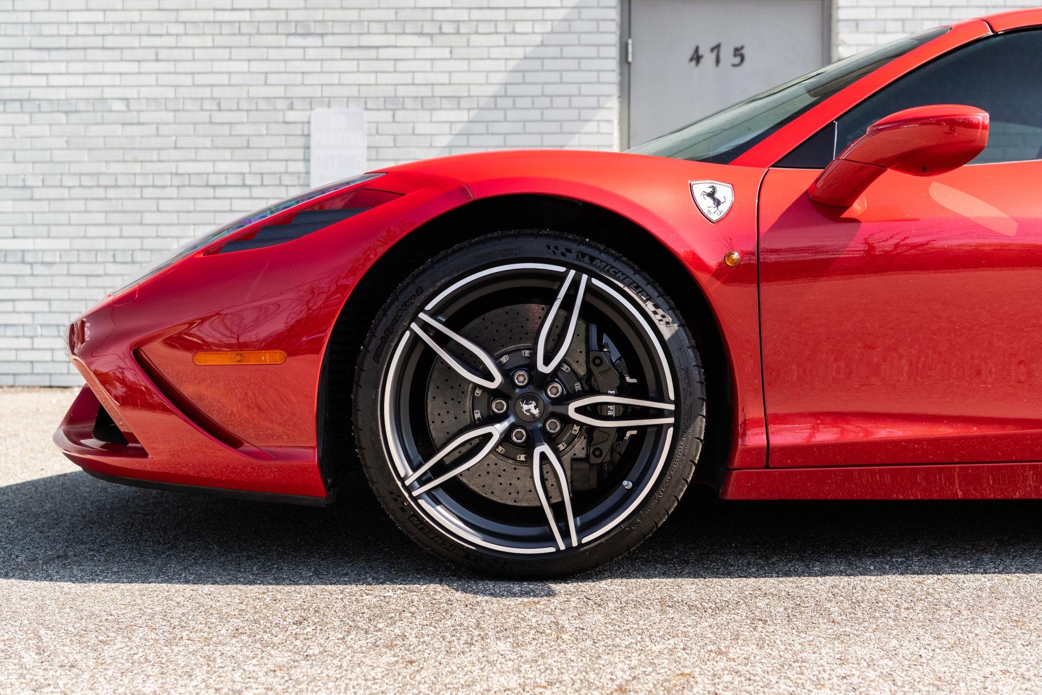 2015_Ferrari_458_Speciale_Aperta_sale_0007