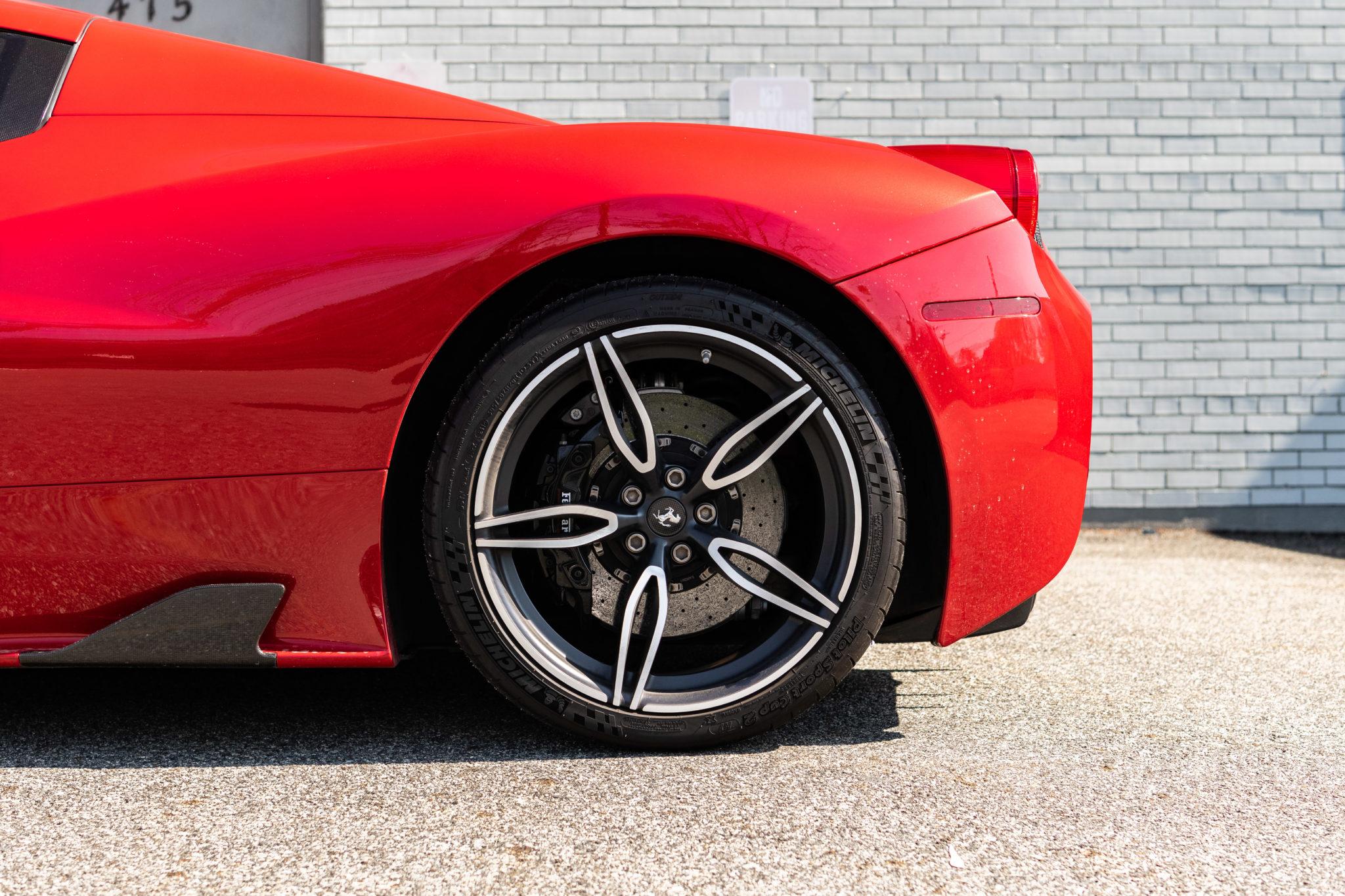 2015_Ferrari_458_Speciale_Aperta_sale_0008