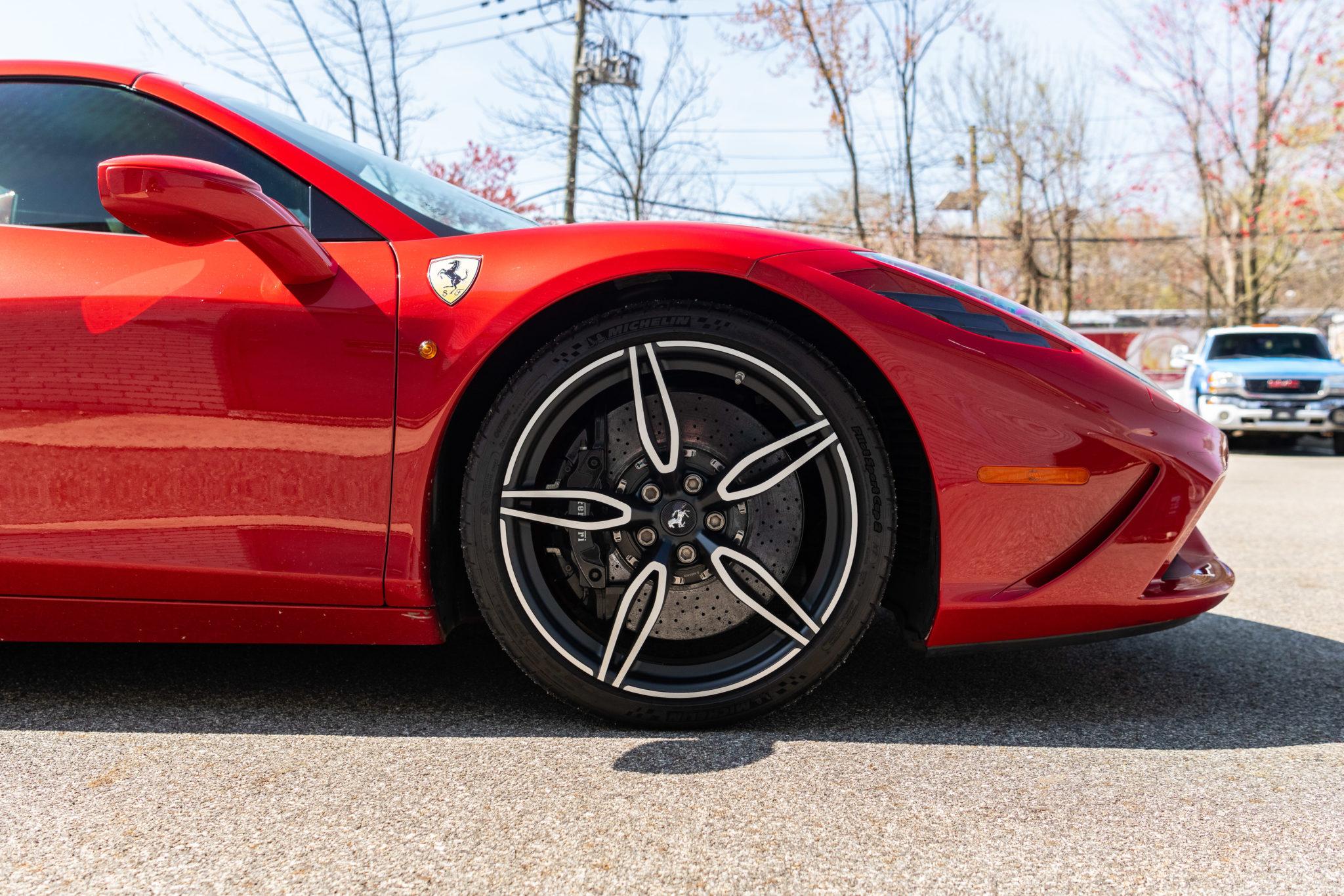 2015_Ferrari_458_Speciale_Aperta_sale_0011