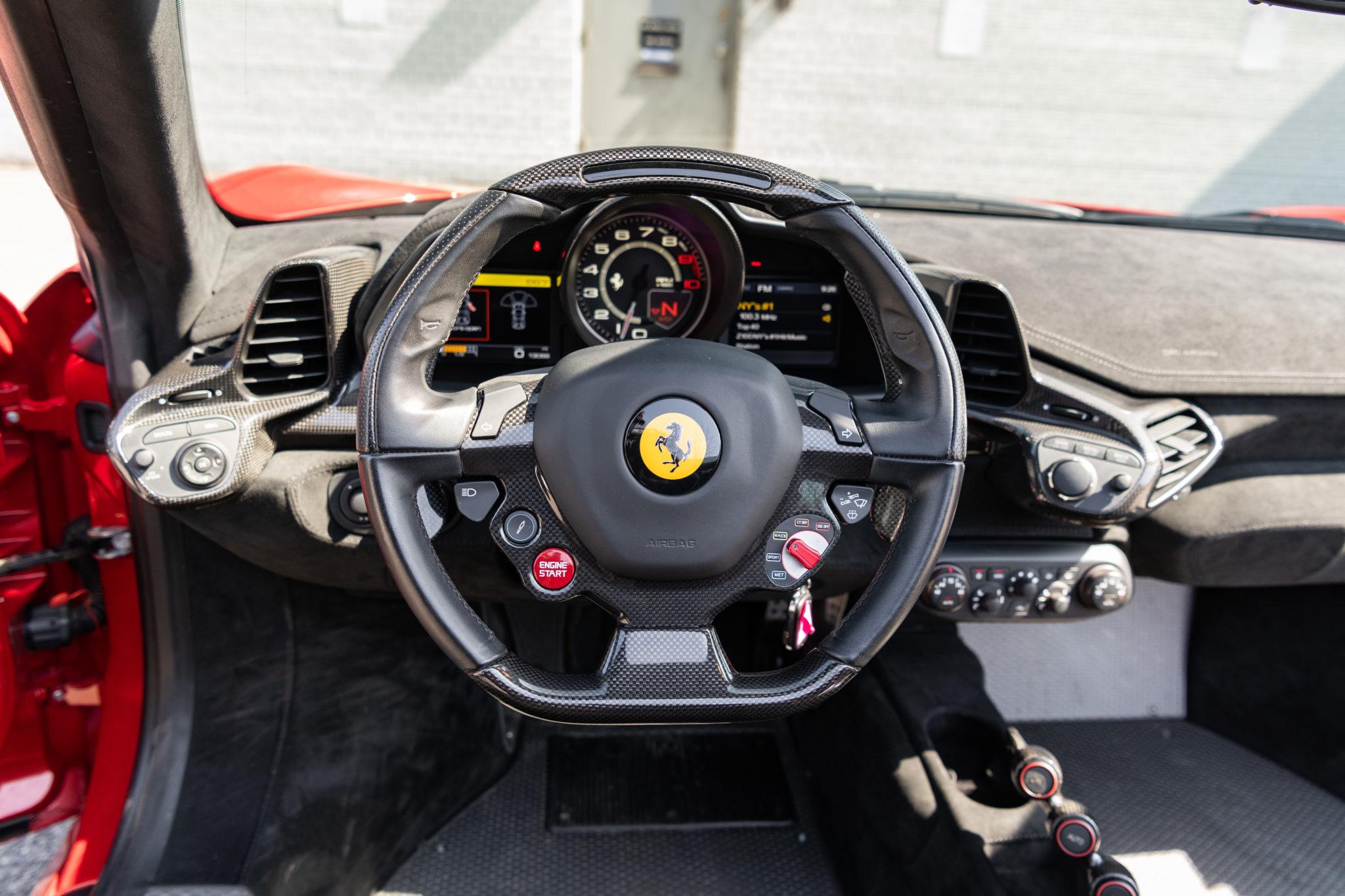 2015_Ferrari_458_Speciale_Aperta_sale_0014