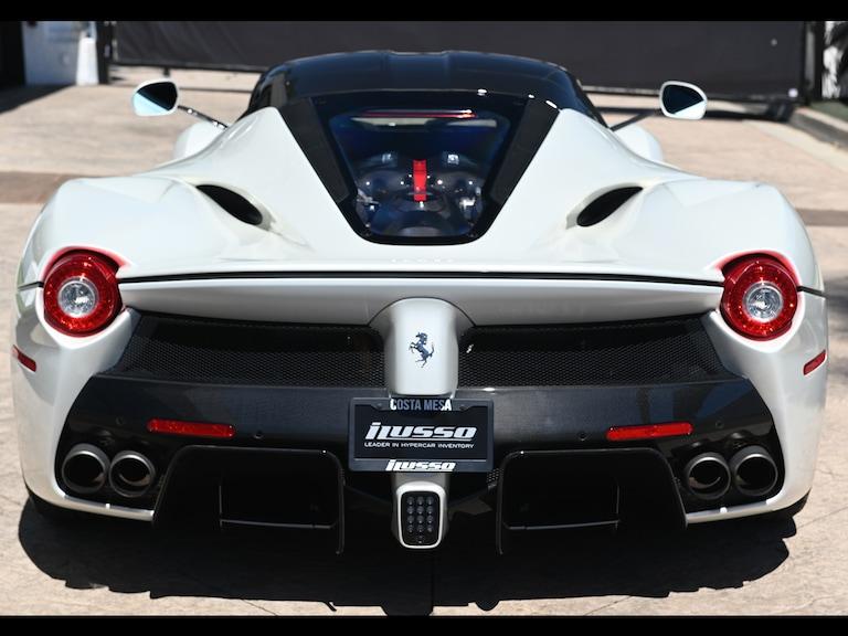 2015_Ferrari_LaFerrari_white_sale_0003