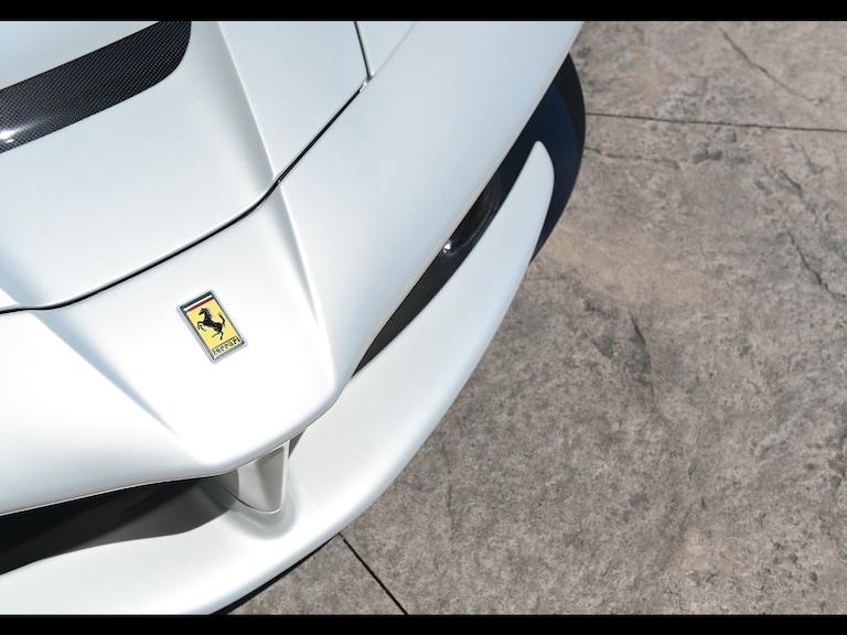 2015_Ferrari_LaFerrari_white_sale_0008