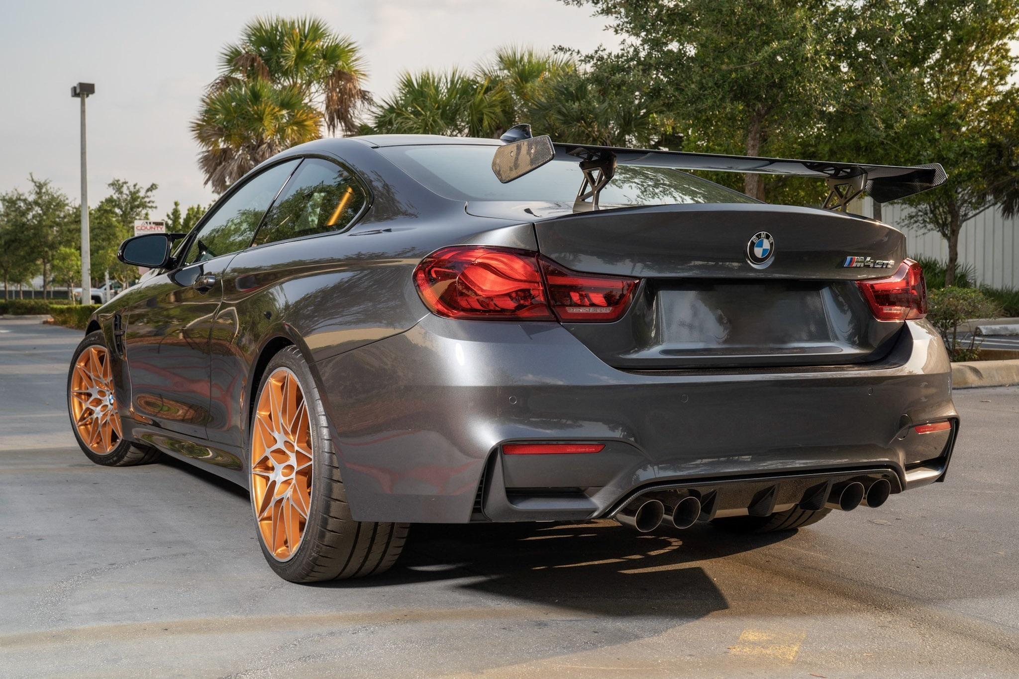 2016_BMW_M4_GTS_sale_0002