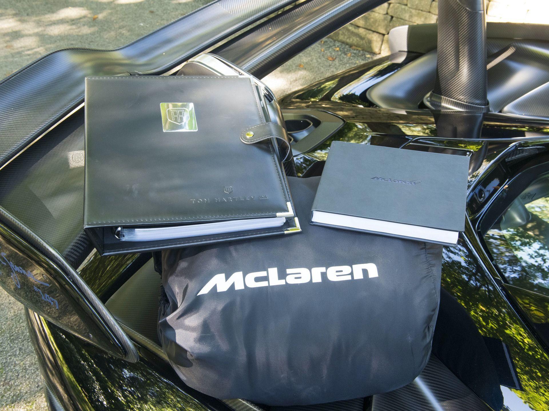 2019_McLaren_Senna_sale_0011
