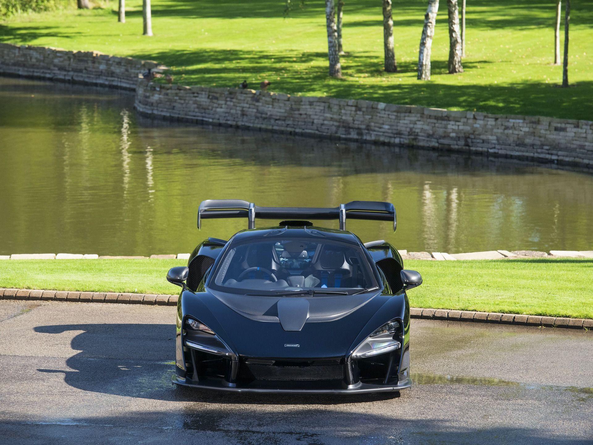 2019_McLaren_Senna_sale_0012