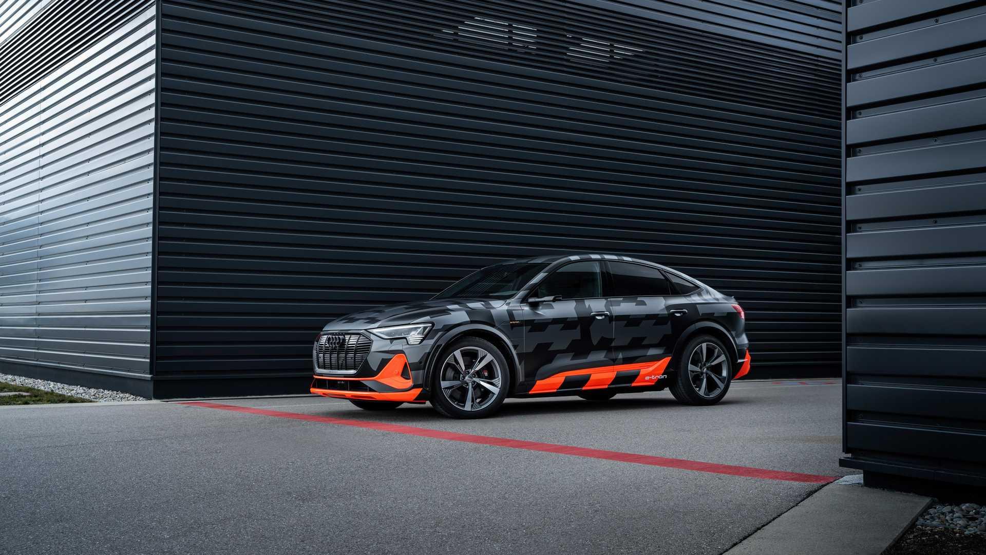 2020_Audi_e-tron_S_0016