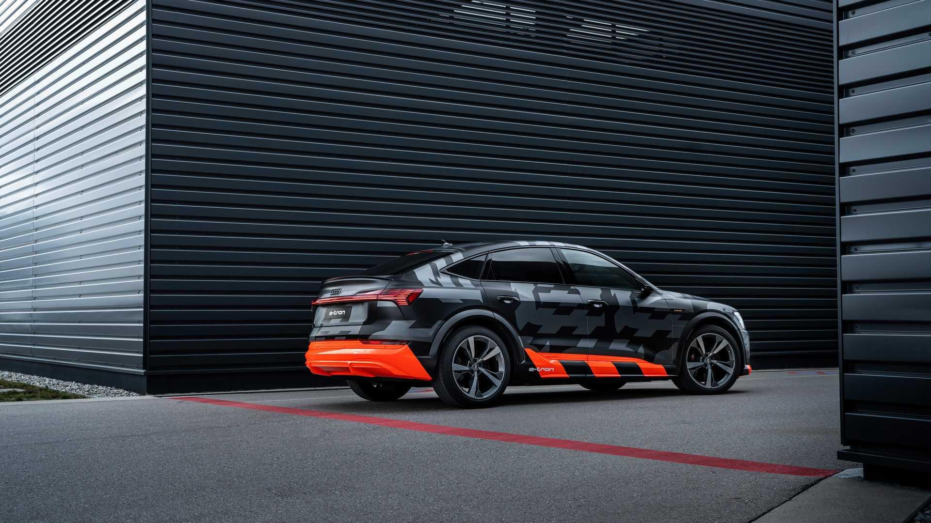 2020_Audi_e-tron_S_0017