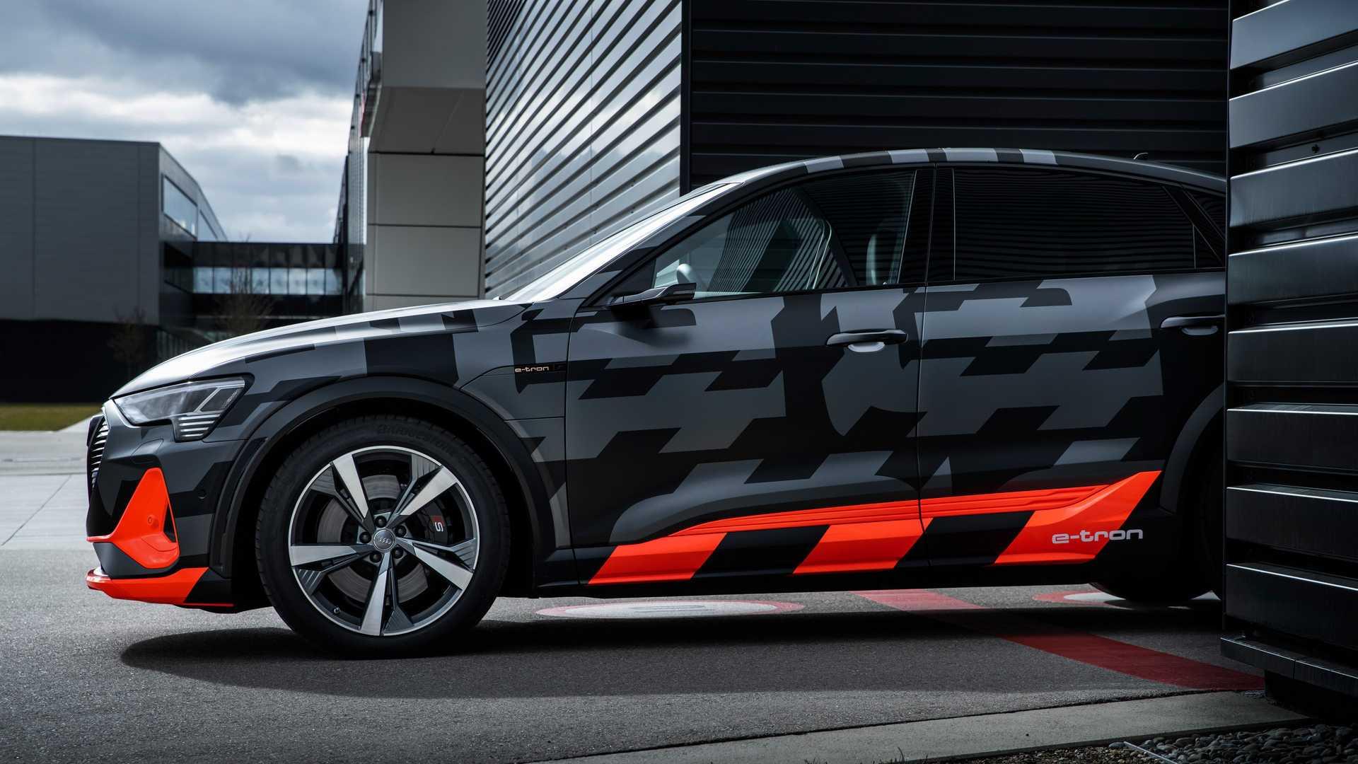 2020_Audi_e-tron_S_0020