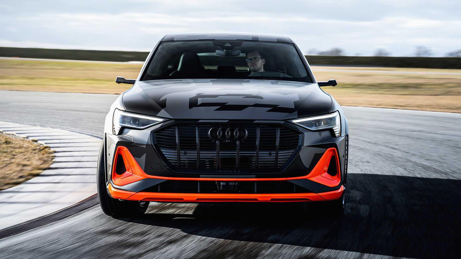 2020_Audi_e-tron_S_0032