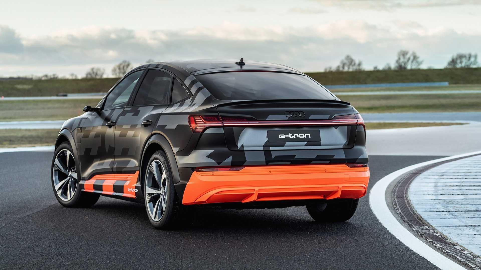 2020_Audi_e-tron_S_0034