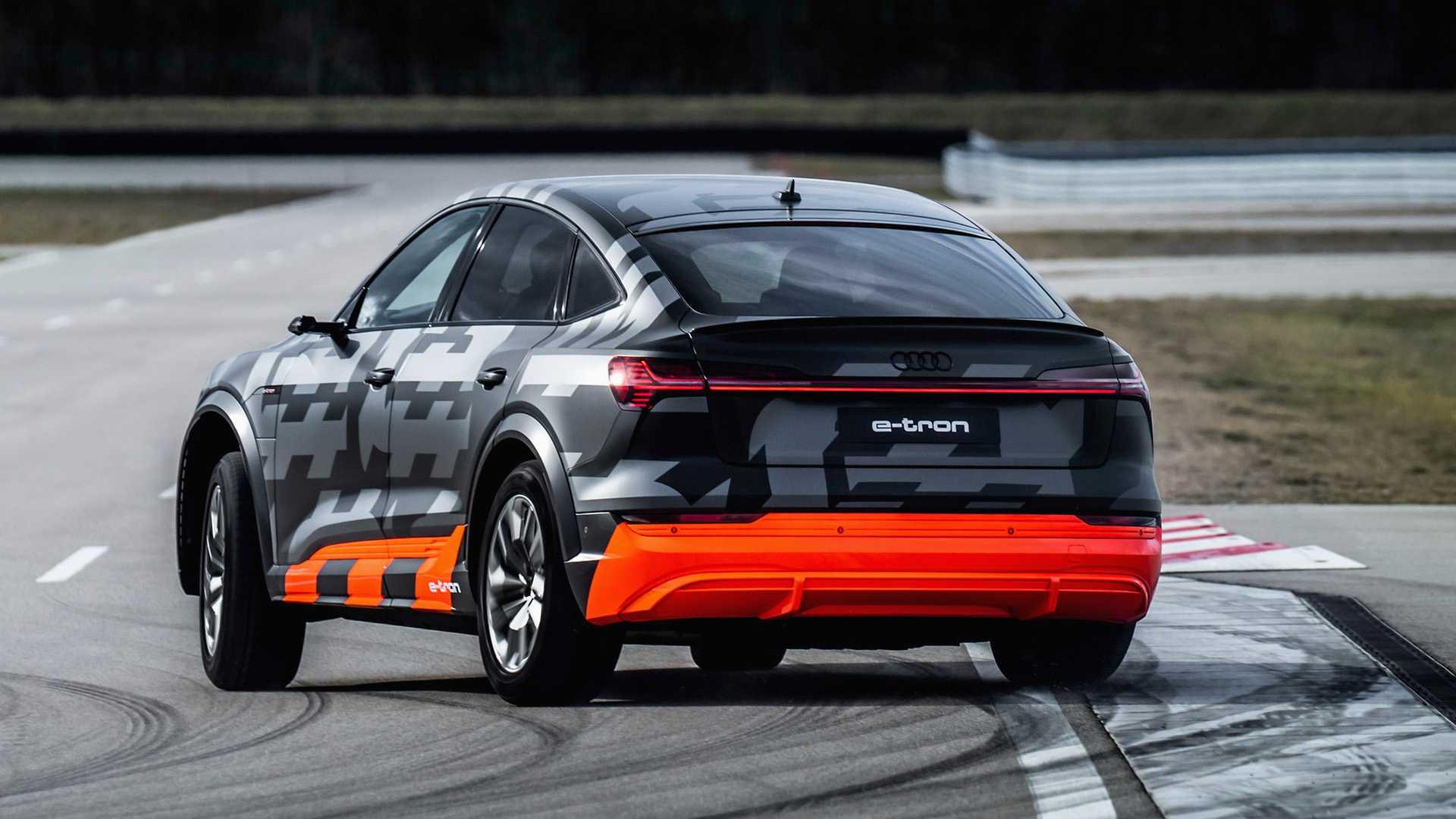 2020_Audi_e-tron_S_0037