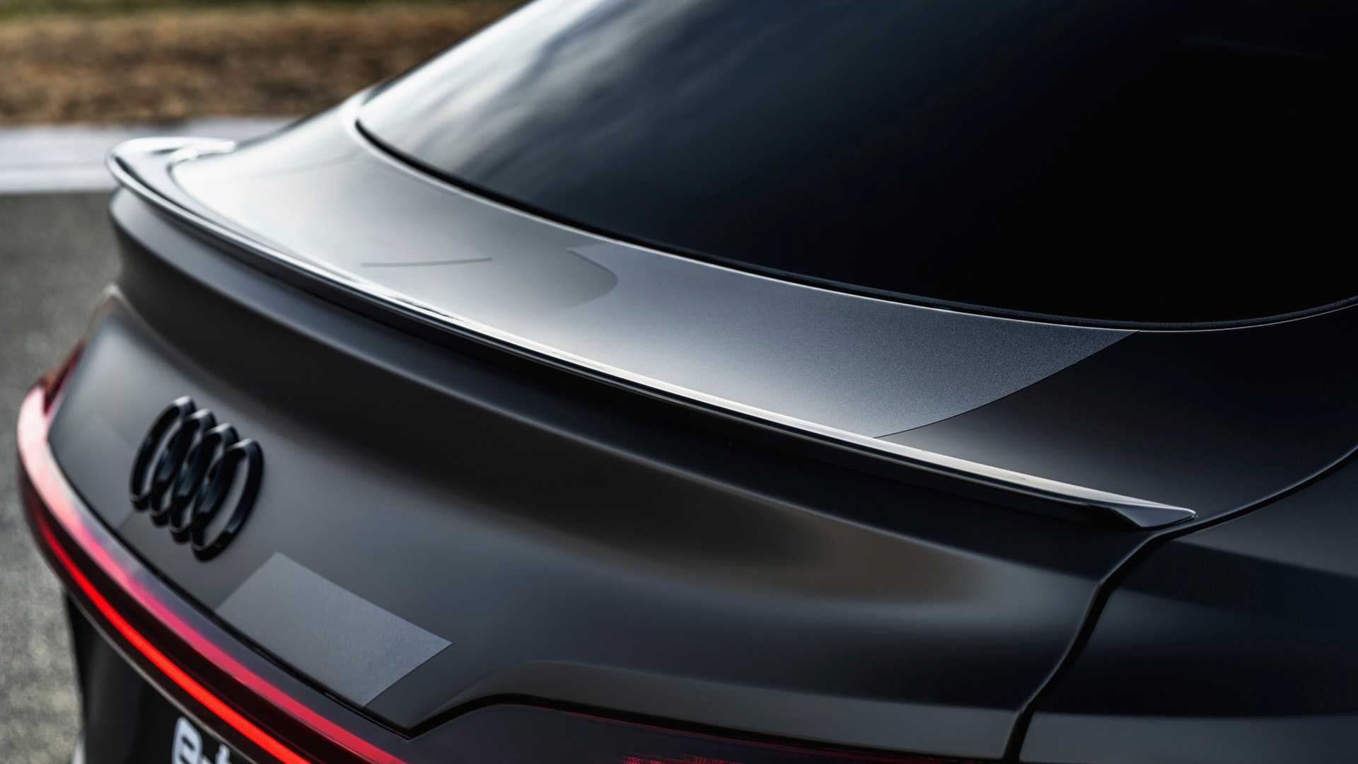 2020_Audi_e-tron_S_0051