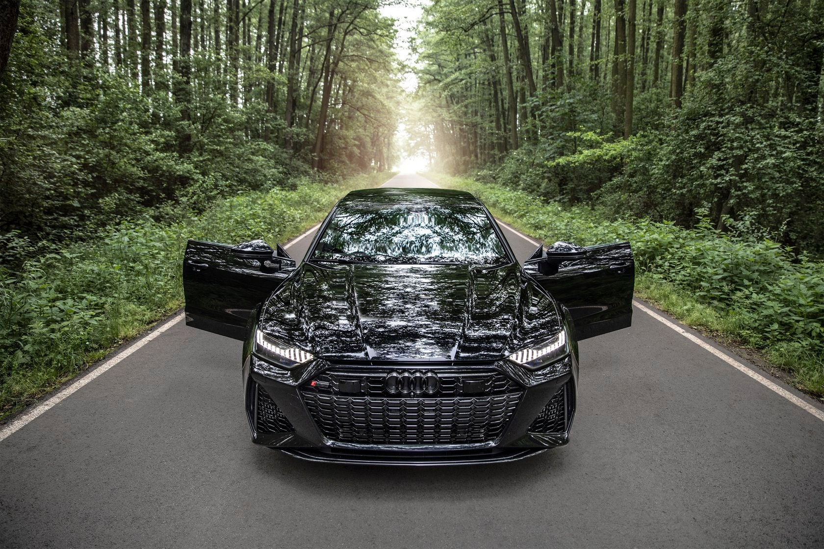 2020_Audi_RS7_Sportback_0001