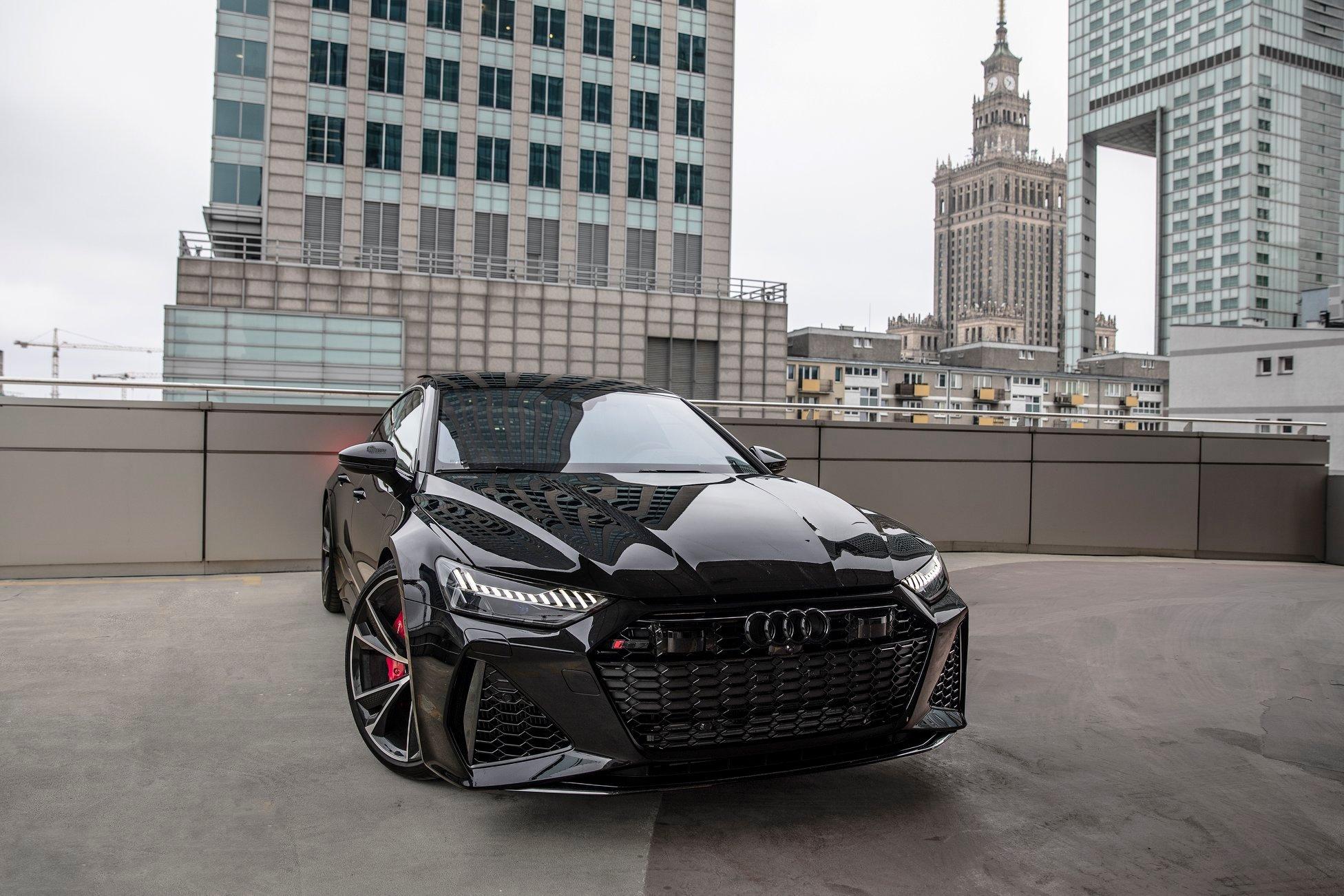2020_Audi_RS7_Sportback_0003