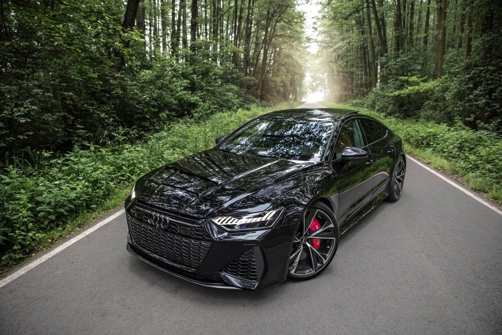 2020_Audi_RS7_Sportback_0008