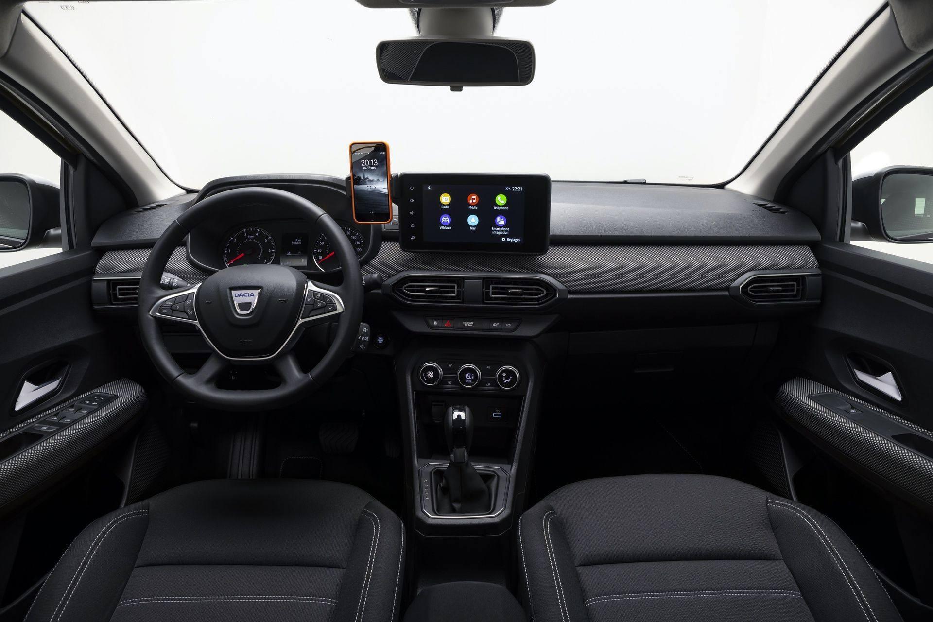 2020_Dacia_Logan_0016