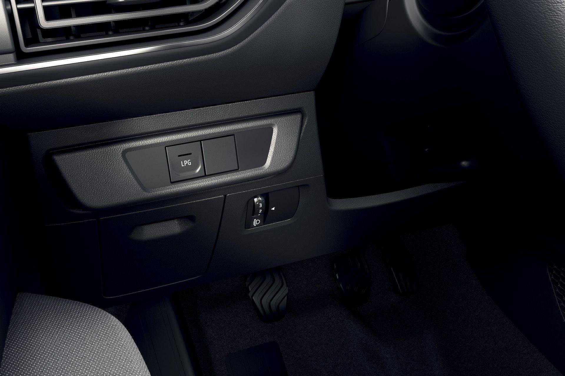 2020_Dacia_Sandero_0028