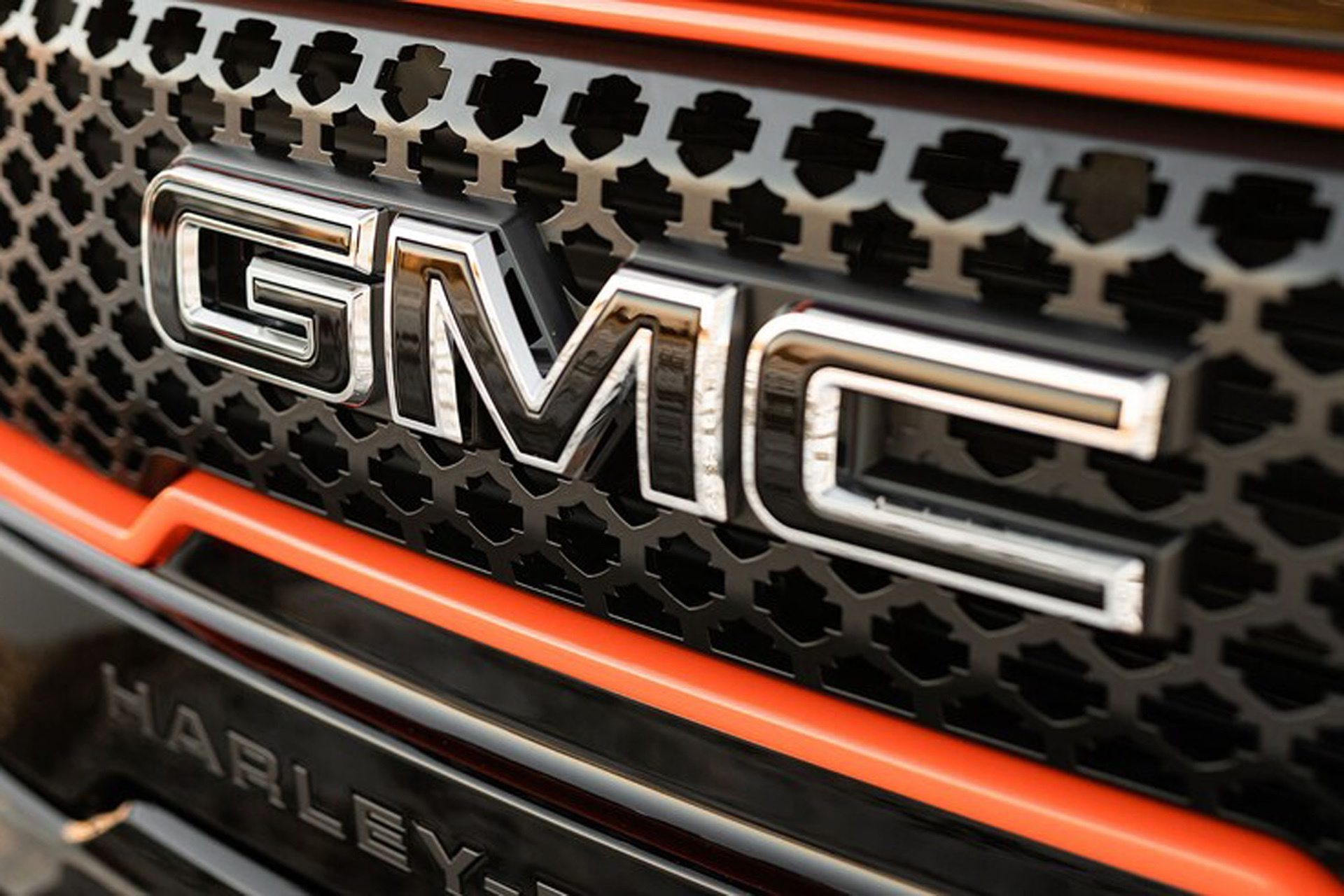 2020-GMC-Sierra-1500-Harley-Davidson-Edition-Tuscany-Automotive_0004