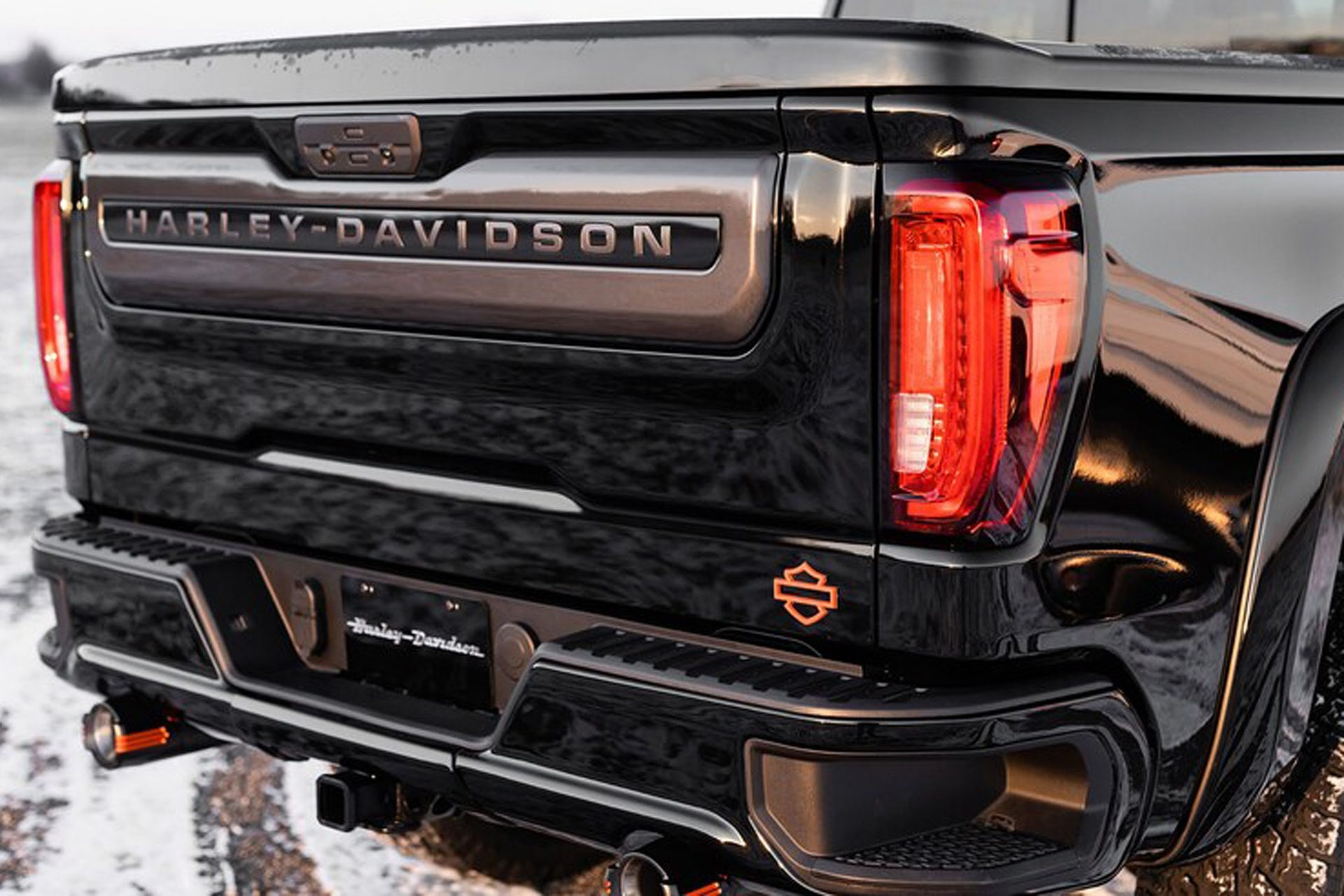 2020-GMC-Sierra-1500-Harley-Davidson-Edition-Tuscany-Automotive_0005