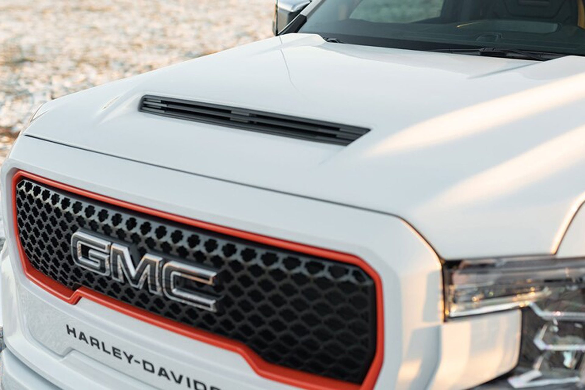 2020-GMC-Sierra-1500-Harley-Davidson-Edition-Tuscany-Automotive_0008