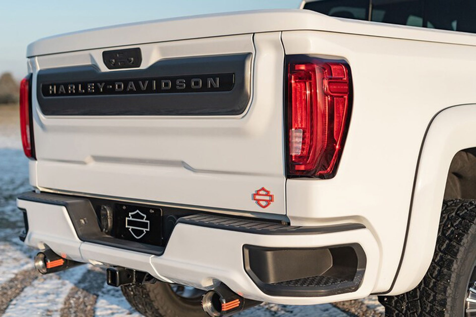 2020-GMC-Sierra-1500-Harley-Davidson-Edition-Tuscany-Automotive_0010