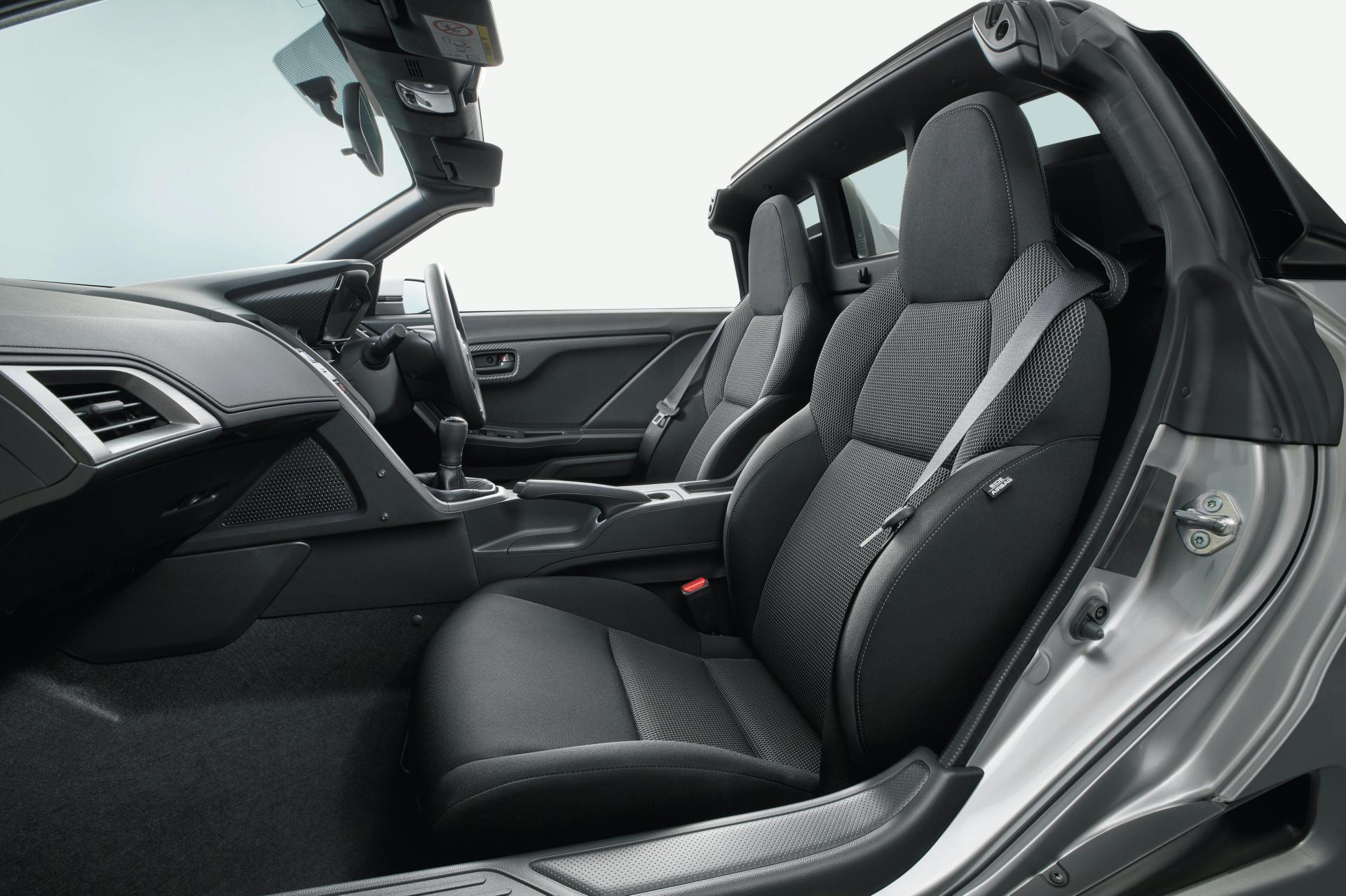 2020_Honda_S660_facelift_0010