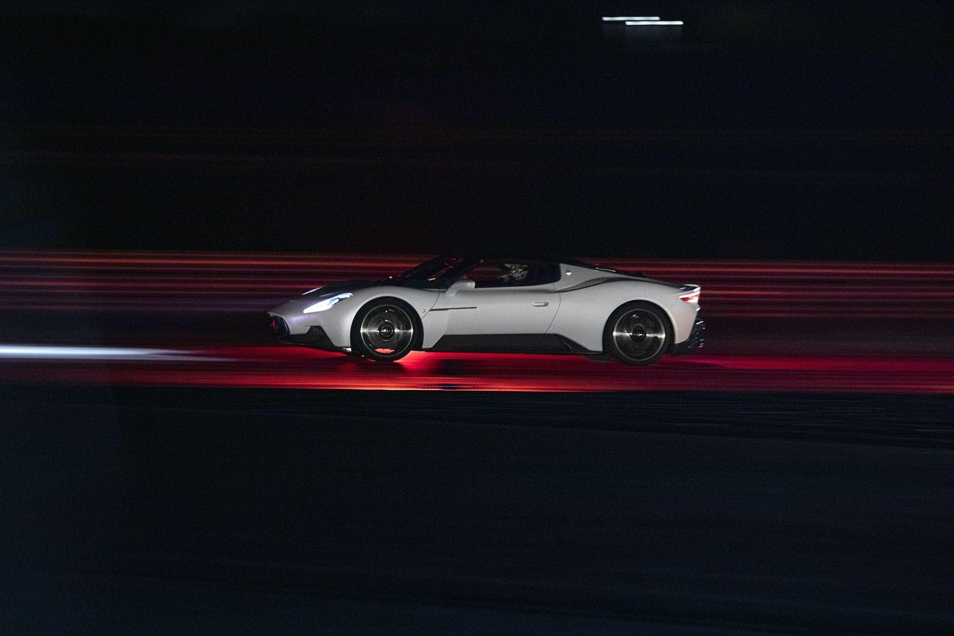 Maserati_MC20_0000