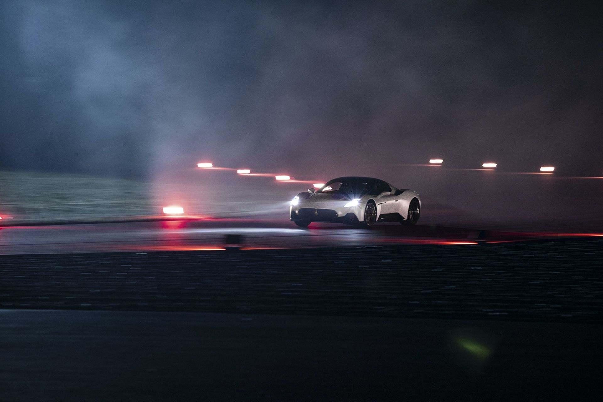 Maserati_MC20_0001