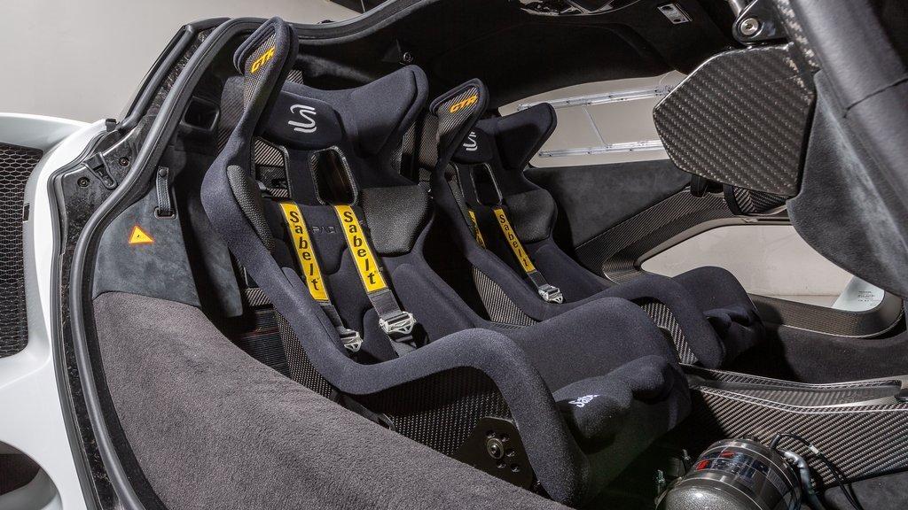 2020_McLaren_Senna_GTR_sale_0012