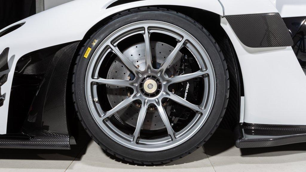 2020_McLaren_Senna_GTR_sale_0014