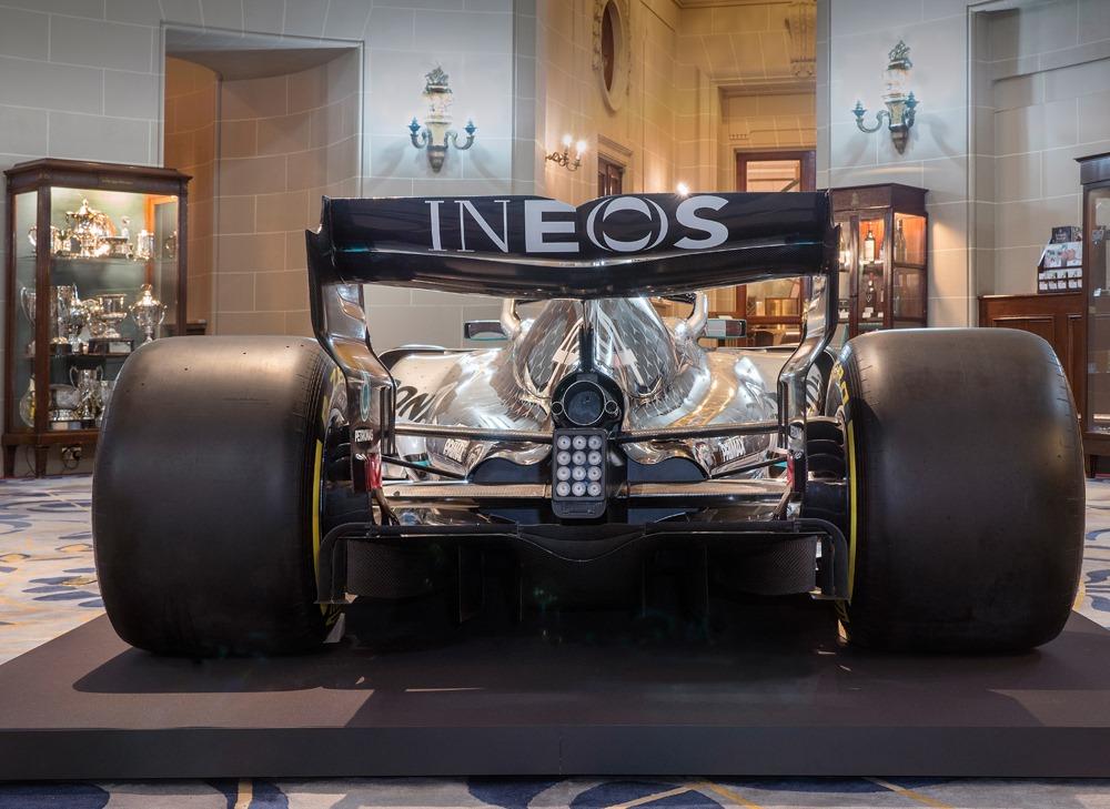 2020_Mercedes_F1_livery_0004
