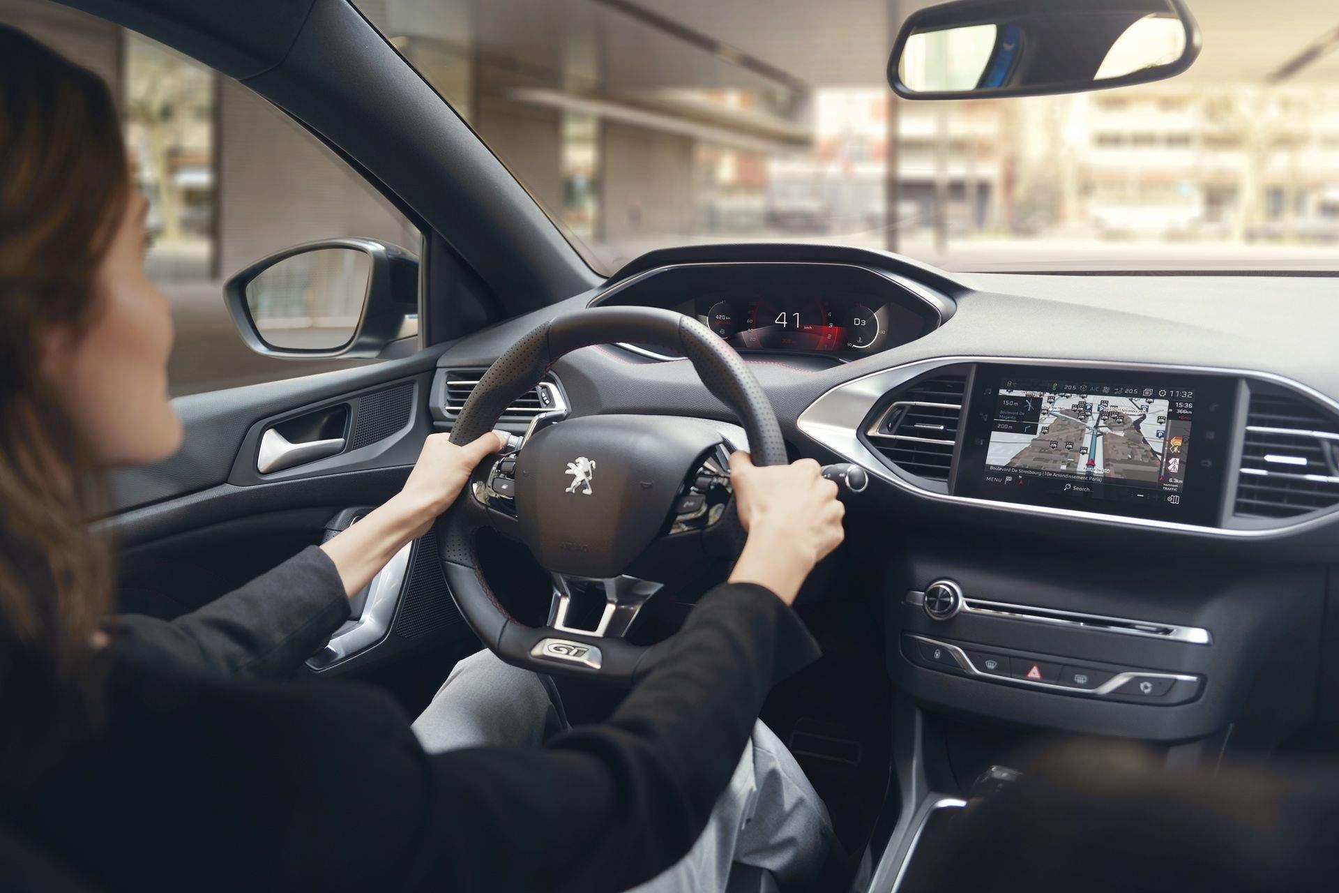 2020_Peugeot_308_facelift_0006