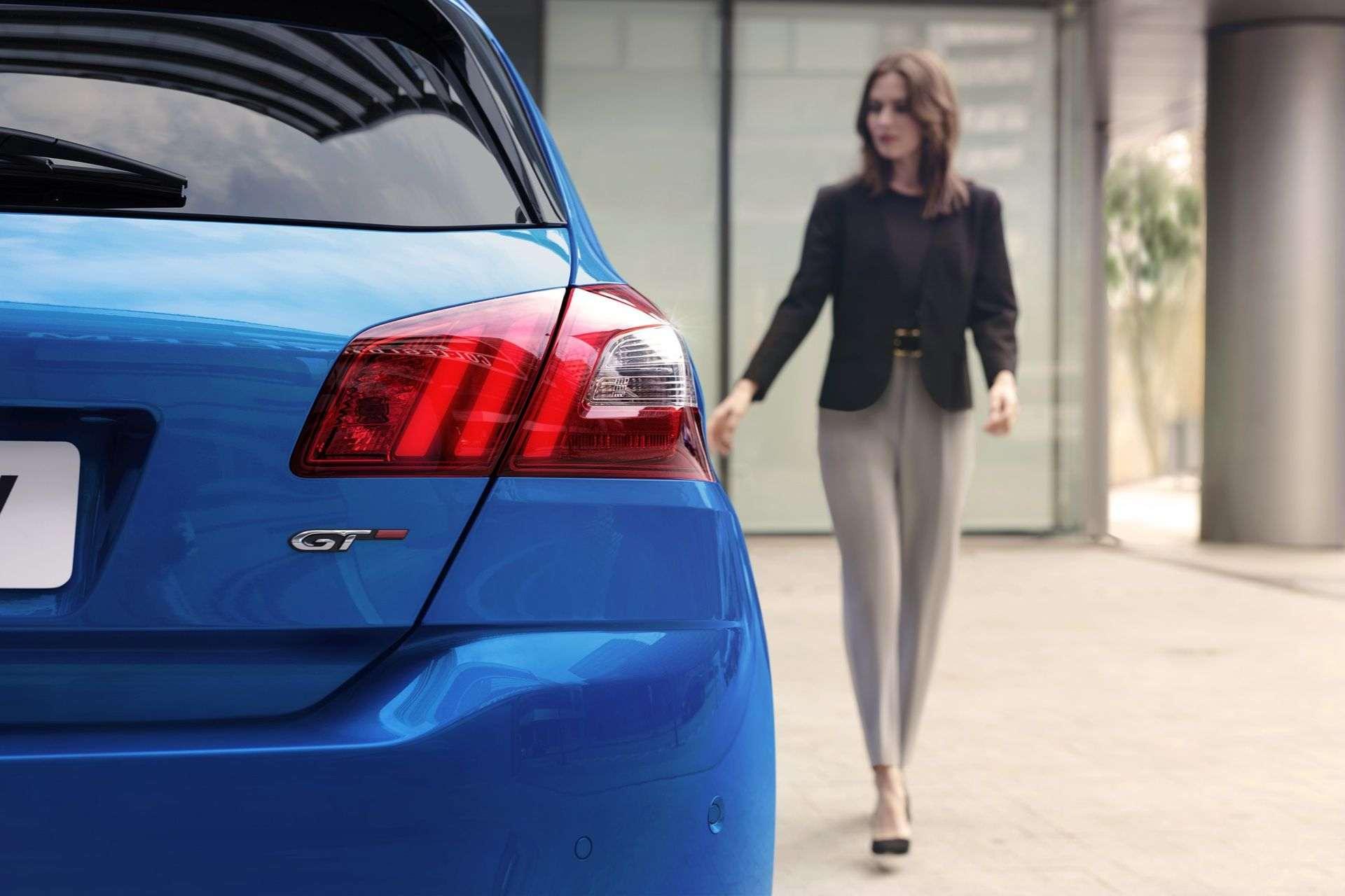 2020_Peugeot_308_facelift_0012