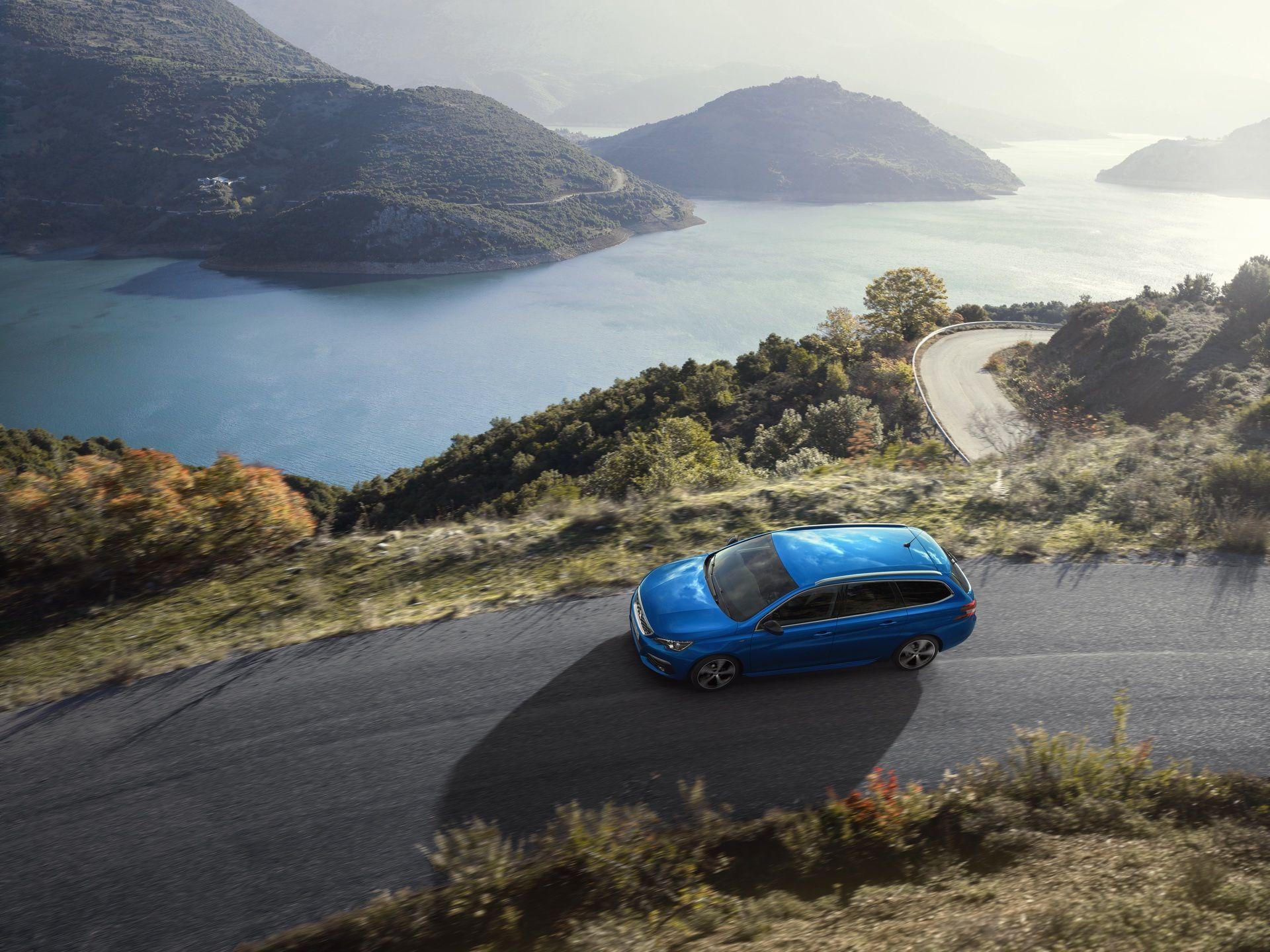 2020_Peugeot_308_facelift_0018