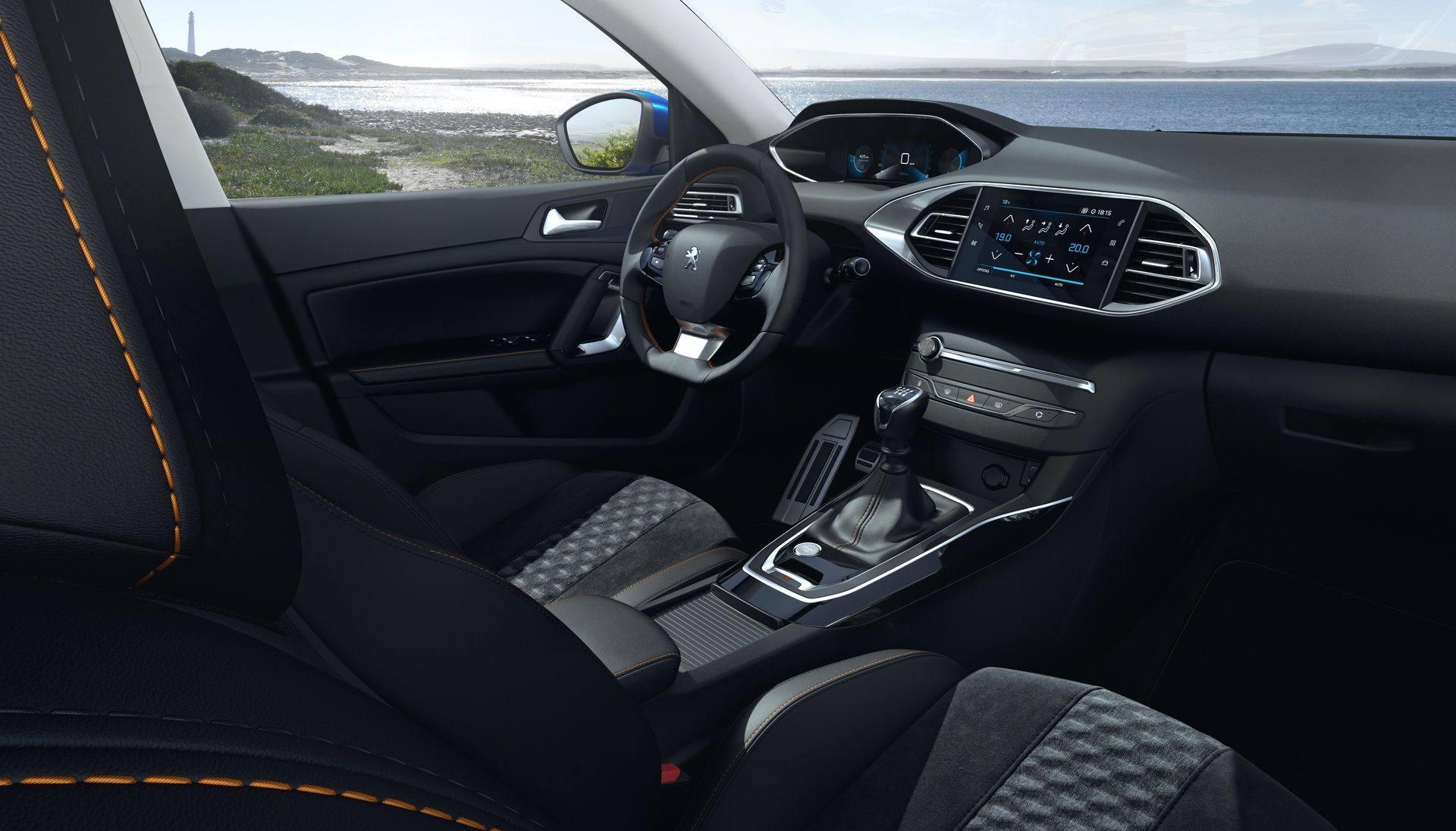 2020_Peugeot_308_facelift_0020